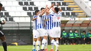 FC Porto vence Nacional por uma bola e isola-se no segundo lugar na Liga