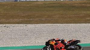 Miguel Oliveira cai e fica em 16.º no MotoGP de Portimão