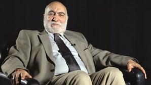"""""""As perguntas nunca nos apaziguam"""": Escritor José Jorge Letria lança livro de crónicas"""