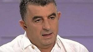 Jornalista morto com dez disparos na Grécia