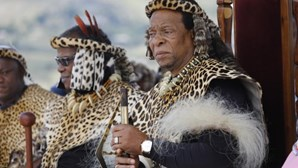 Induna português oferece o seu 'melhor dia do ano' em homenagem ao rei zulu