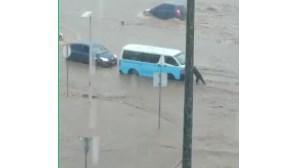 Chuva torrencial causa pelo menos 14 mortos em Luanda. Veja as imagens da destruição