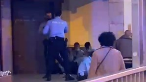 Agente da PSP agredido por homem que se recusou a usar máscara dentro de pastelaria