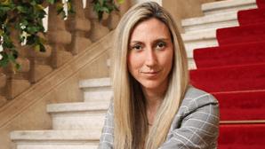 Deputada Cristina Rodrigues quer copos menstruais distribuídos nos centros de saúde