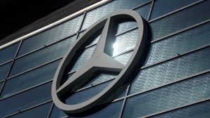 Mercedes aponta ao futuro com híbridos plug-in