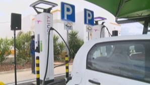 Governo elogia rede de carregamento elétrico ultrarrápido nas autoestradas