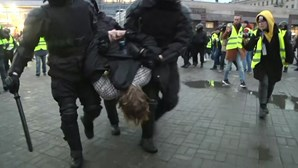Mais de 400 pessoas detidas em São Petersburgo em manifestação de apoio a Navalny