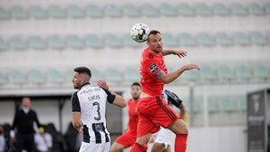 Seferovic bisa e aumenta a vantagem dos encarnados no Algarve
