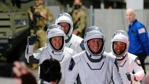 Há quatro astronautas a caminho da estação espacial. Acompanhe em direto a viagem