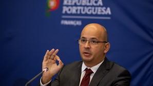 Governo quer aumentar 40 euros ao salário mínimo em 2022