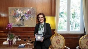 Investigadora Elvira Fortunato dedica Prémio Pessoa à ciência e às mulheres
