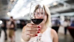 Portugueses mantêm liderança mundial no consumo de vinho