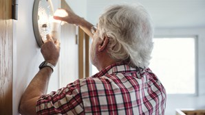 Preço da eletricidade sobe em 1 de julho para famílias no mercado regulado