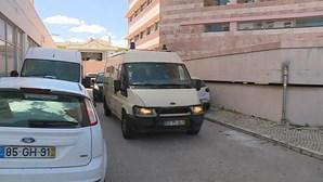 Jovem condenada a 25 anos de cadeia por crime macabro no Algarve abandona tribunal após conhecer sentença