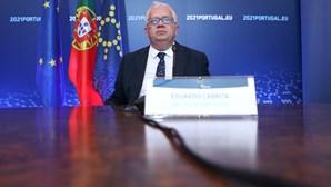 """Portugal é """"referência europeia"""" no combate à pandemia, diz ministro da administração interna"""