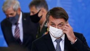 Advogados e intelectuais pedem ao Supremo Tribunal a interdição de Bolsonaro