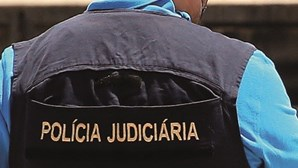 Homem tenta matar mulher com três tiros na cabeça na via pública em Portimão