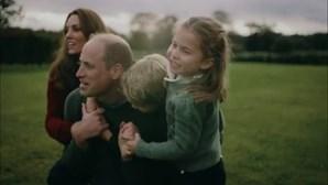 Afinal, os duques de Cambridge são uma família normal. Veja o vídeo