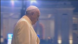 Papa apela à abertura de corredores humanitários na Birmânia
