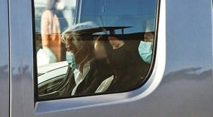 Ana Moura com os pais e a sobrinha no carro funerário