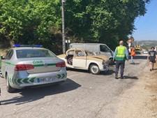 Colisão entre duas viaturas destrói carro clássico e faz cinco feridos em Guimarães