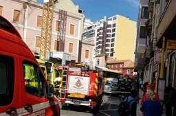 Choque entre autocarro da Carris e três automóveis faz vários feridos em Lisboa