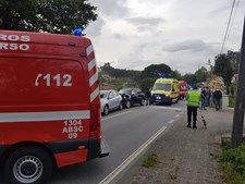 Bebé entre quatro feridos em colisão na EN105