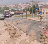 Forte chuvada causa inundações e perturbações no trânsito em Coimbra