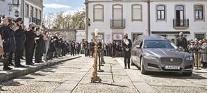 População de Mangualde, concelho onde Jorge Coelho nasceu, marcou presença nas ruas da cidade para prestar a última homenagem ao histórico socialista