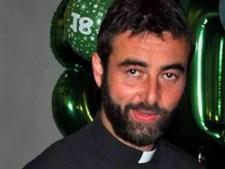 O padre Riccardo deixou o sacerdócio por amor