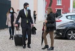 Pais das vítimas do Meco chegam a tribunal