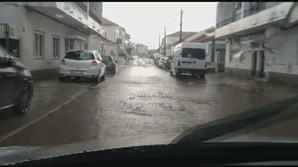 Mau tempo causa inundações em Évora