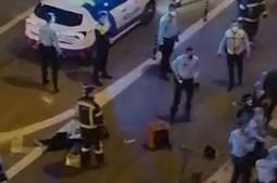 Estafeta de entrega de comida morre em colisão com carro em Lisboa
