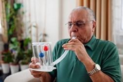 Espirómetro mede volume de ar inspirado e expirado pelos pulmões