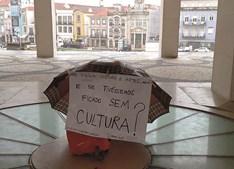 Em Aveiro, o protesto da cultura resistiu à chuva