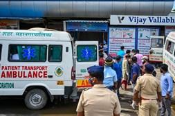 Incêndio em hospital indiano mata 13 doentes com Covid-19