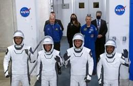 SpaceX envia quatro astronautas para Estação Espacial Internacional