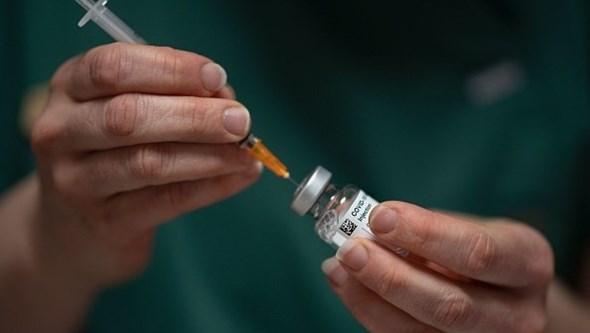 Tribunal obriga AstraZeneca a entregar 50 milhões de doses da vacina anti-Covid à União Europeia