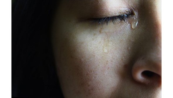 Lágrimas contêm novo coronavírus. Saiba que cuidados deve ter com os olhos para evitar contágio