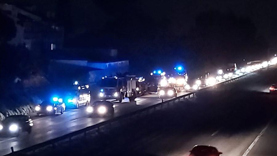 Dois feridos em despiste na A1