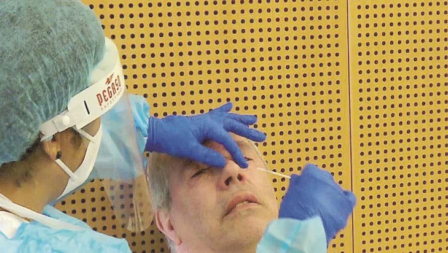 Cerca de 230 professores e assistentes operacionais testados para regresso à escola antes da vacinação em Gaia