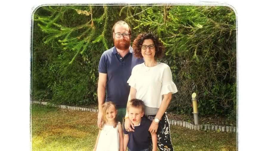 Tatiana Bond teve um cancro da mama de origem hereditária e luta contra as metástases hepáticas