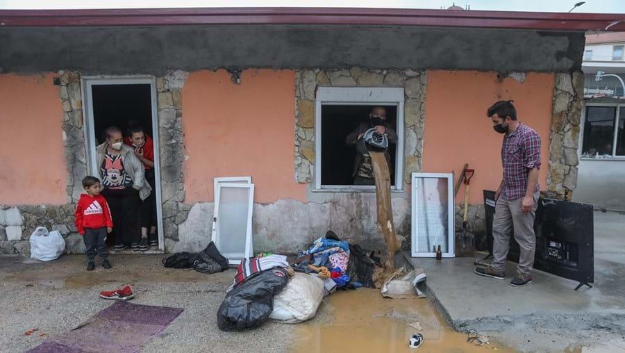 Família ficou desalojada por causa da chuvada em Santa Clara, Coimbra