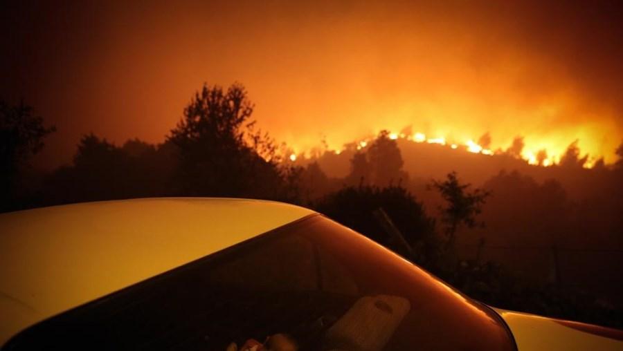 Trabalho sobre incêndios em Oliveira de Frades recebeu o 3.º prémio no concurso World Press Photo