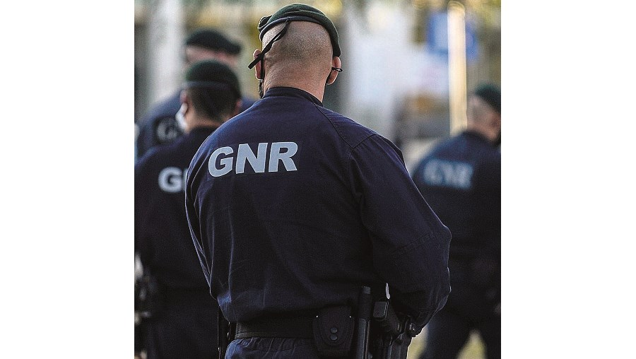 GNR de costas xx