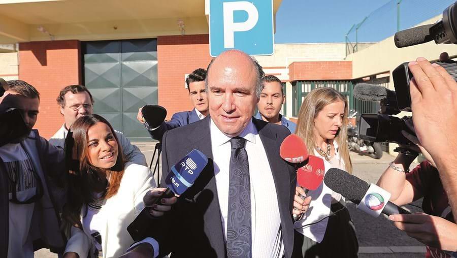 Vale e Azevedo quando saiu da cadeia da Carregueira, em 2016