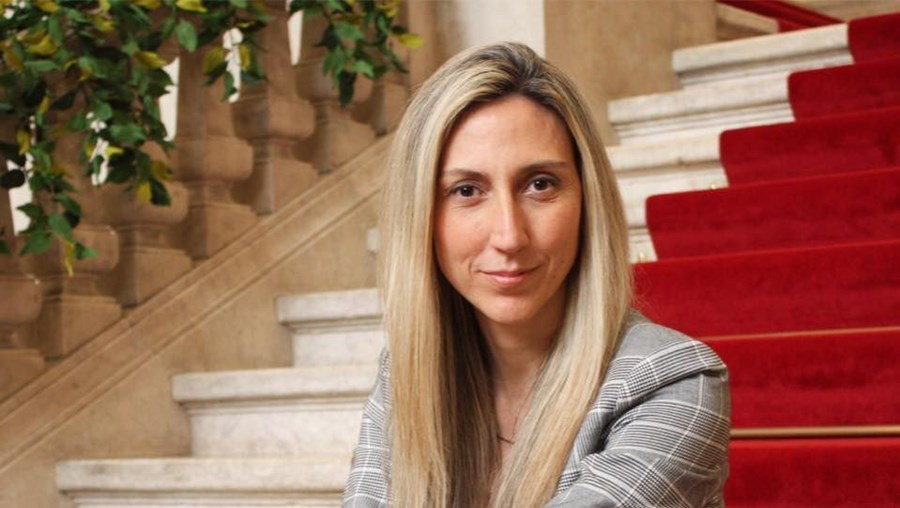 Deputada Cristina Rodrigues