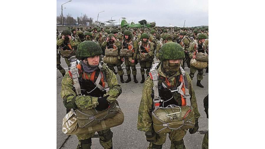 Militares russos em manobras