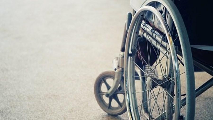 deficiência motora, cadeira de rodas