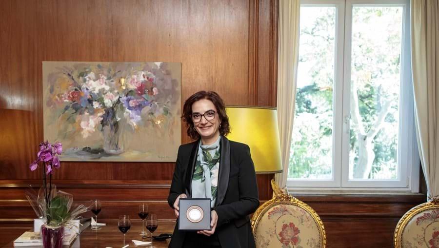 Investigadora Elvira Fortunato recebe Prémio Pessoa